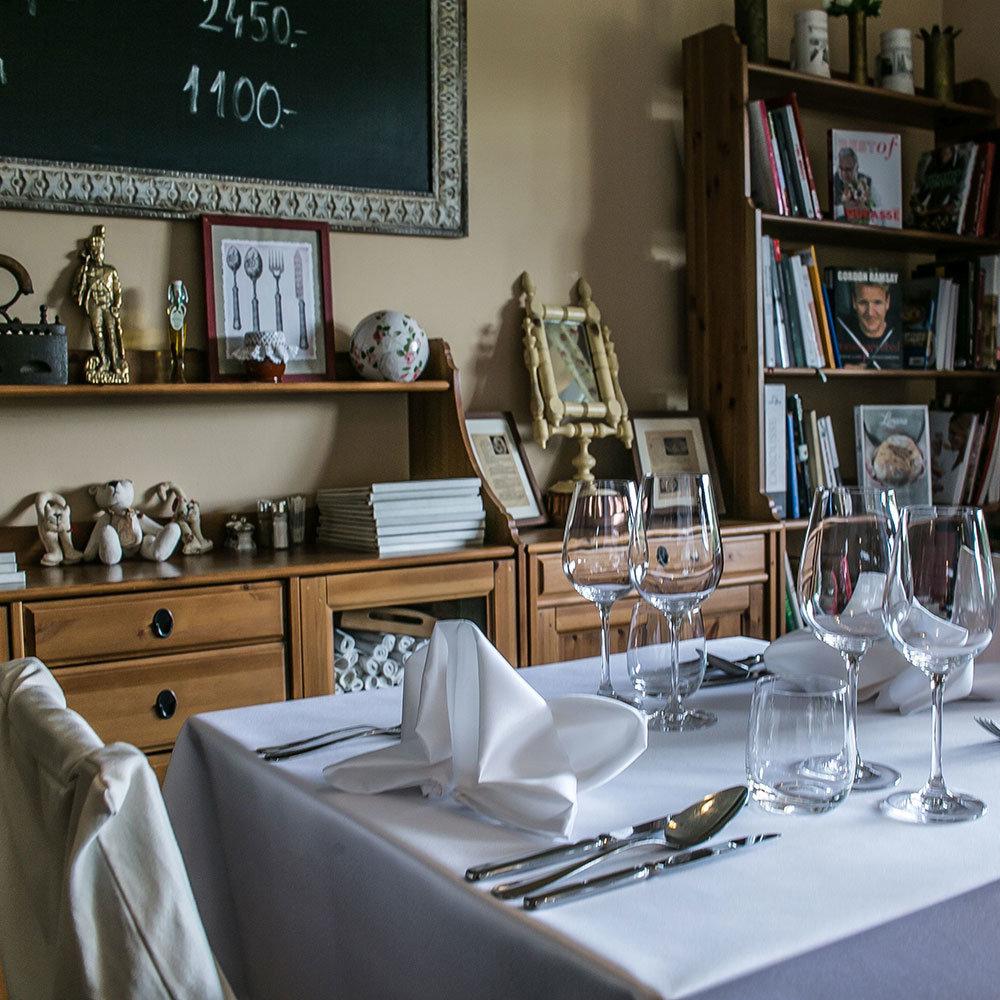 Ahol coacholok - Bonne Chance Restaurant & Hotel