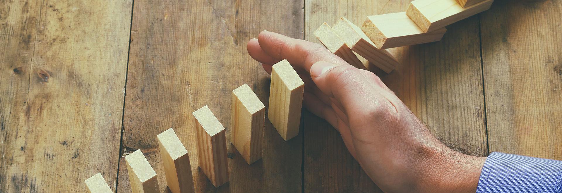 Vezetői coaching - dominók ledöntése